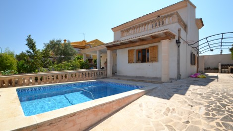 For Sale – Detached Chalet with Pool in Marratxi