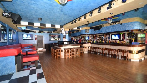 Late Night Bar for Sale in Palmanova – Leasehold/Traspaso