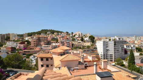 For Sale – Duplex Penthouse in Bonanova Palma with views over Bellver Castle, Mountains and Sea