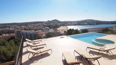 For Sale – Luxury Villa with Spectacular Sea and Mountain Views in Santa Ponsa