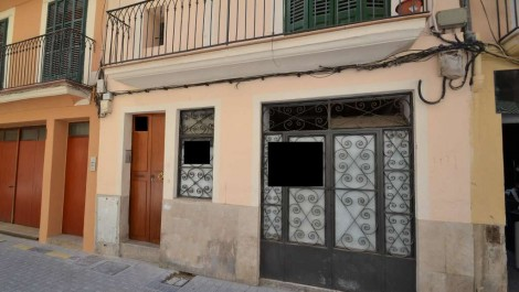 Commercial Unit for Sale in need of Reform in Old Town Palma Mallorca