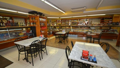 Cafeteria and Delicatessen For Sale in Palma – Leasehold (Traspaso) – Price Reduced!