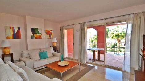 Apartment for Sale in Santa Ponsa, Mallorca – Luxury Complex with Swimming Pool