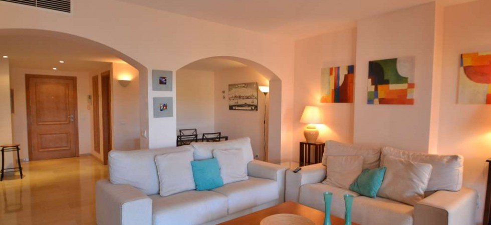 Apartment for Sale in Santa Ponsa, Mallorca – Luxury Complex with Swimming Pool