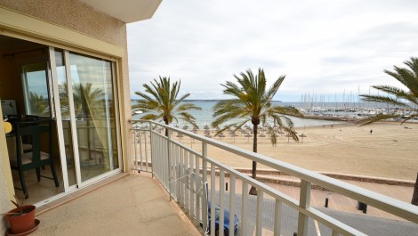 Apartment for Sale in Can Pastilla, Palma – Front line to the sea