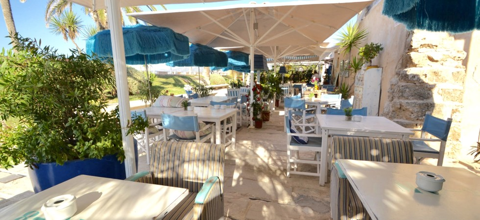 Beach Front Restaurant & Bar for Sale in front line to the sea in Palma Mallorca – Leasehold – Price Reduced!