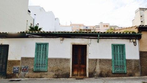 Refurbishment Property for Sale in Santa Catalina Palma – Freehold