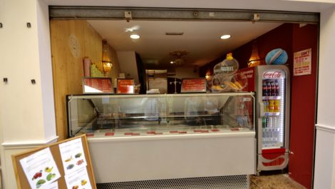 Ice Cream Parlor for Sale in Old Town Palma Mallorca – Leasehold