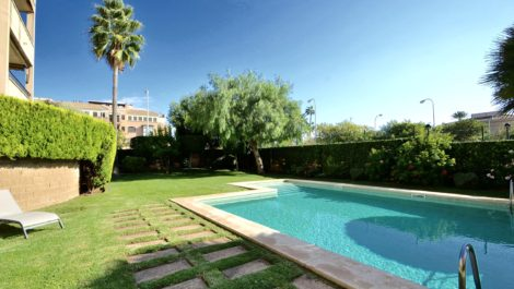 Ground Floor Apartment with Garden, Swimming Pool & Parking in Portixol Palma