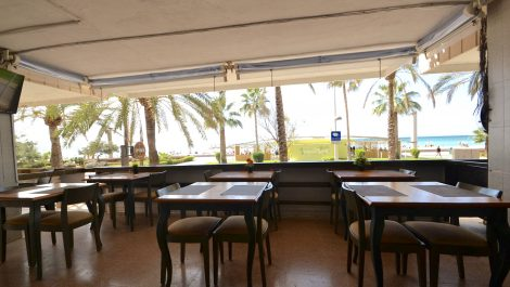 Beach Front Bar Cafeteria in Playa de Palma – Leasehold – Price Reduced!
