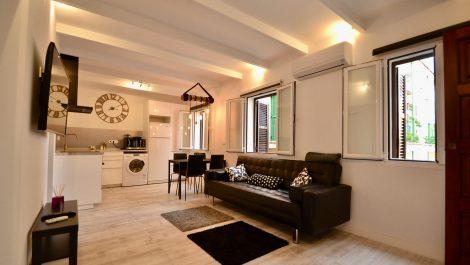 Two Bedroom Apartment for Rent in La Lonja – Palma Mallorca