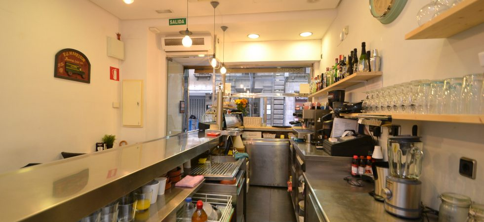 Bar Cafeteria in Palma Old Town Shopping District – Leasehold (Traspaso)