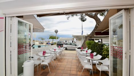 Cafeteria Ice Cream Parlor for Sale in Palmanova – Leasehold (Traspaso)