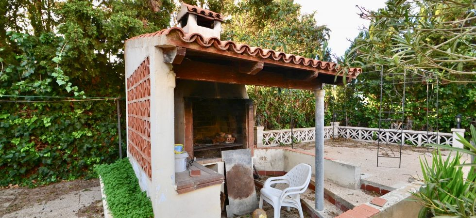 Five Bedroom Property for Refurbishment in Tolleric Llucmajor for Sale with Sea Views – Opportunity!