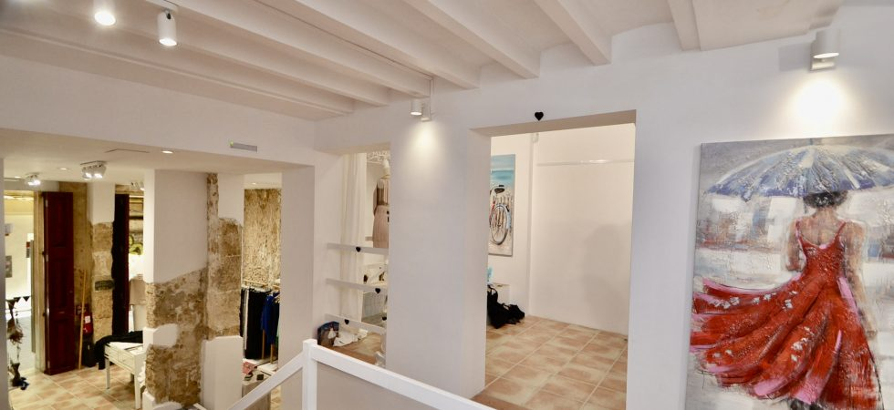 Luxury Clothes Business for Sale in Palma Mallorca – Leasehold (Traspaso)