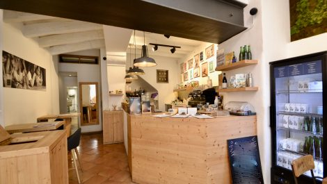 Bar Cafeteria in Old Town Palma Mallorca – Leasehold (Traspaso) – Super Price Reduction!
