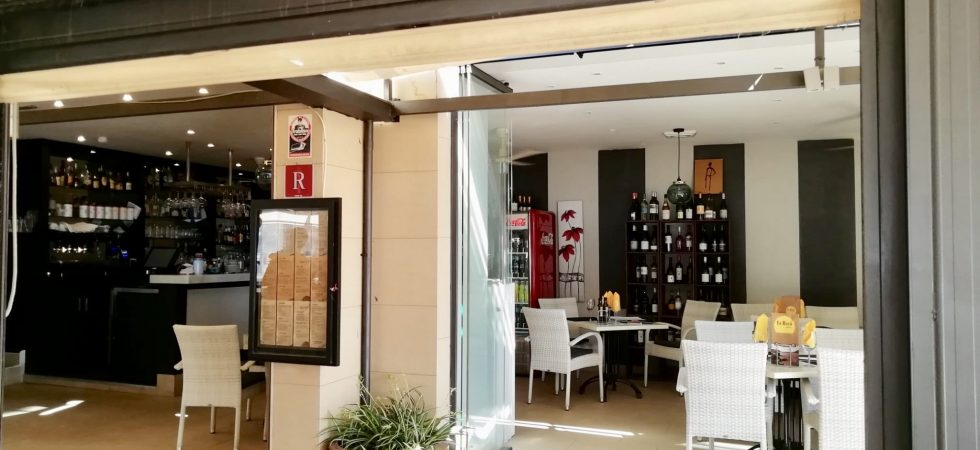 Restaurant in Port Andratx for Sale – Leasehold (Traspaso) – Price Reduced Opportunity!
