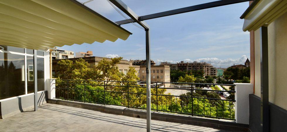 Refurbished Penthouse with Views of Palma Cathedral and Sea in Santa Catalina Palma – Long Term Rental